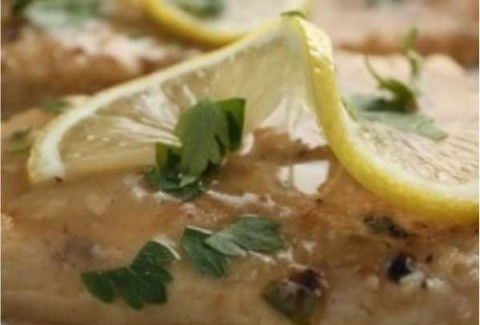 Tender breasts of chicken, sautéed & served in a white wine & butter sauce and topped with capers.