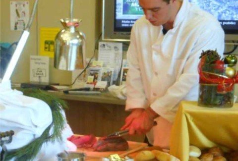 MEAT CARVING STATION INCLUDES YOUR CHOICE OF TWO HOT AND TWO COLD HORS D' OEUVRES ($3.00 AND UNDER), ROASTED YUKON OR MASHED POTATOES, DINNER ROLLS & BUTTER, YOUR CHOICE OF A GARDEN OR CAESAR SALAD, COOKIES & BROWNIES, BOTTLED WATER & ASSORTED SOFT DRINKS (1 BEVERAGE PER PERSON) AND WHITE PLASTICWARE. CLEAR PLASTICWARE AVAILABLE FOR AN ADDITIONAL $0.50 PER PERSON. MEATS ARE CARVED TO ORDER BY A PROFESSIONAL & FRIENDLY MEAT CARVER. LABOR IS NOT INCLUDED. PLEASE SPEAK WITH YOUR MIZUNA COORDINATOR FOR LABOR CHARGES. CARVING STATION MEATS Slow roasted top round of beef, seasoned with herbs & served with a thickened au jus, Slow roasted fresh rosemary turkey breast with homemade turkey gravy, and Baked pit ham served with our pineapple glaze. UPGRADE YOUR CARVING STATION WITH THESE OPTIONAL MEATS: ROASTED FILET MIGNON | 11.00 MORE PER PERSON served with rosemary demi glace & horseradish cream sauce. FRESH GRILLED MAHI MAHI | 11.00 MORE PER PERSON served with homemade mango salsa. GRILLED ATLANTIC SALMON | 10.00 MORE PER PERSON served with fresh pineapple salsa.