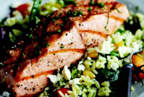 Orzo pasta tossed with freshly flaked salmon, diced zucchini, squash, red onion & parmesan cheese. Tossed with our homemade Italian dressing and topped with chunks of Pan Seared Salmon. A house favorite!